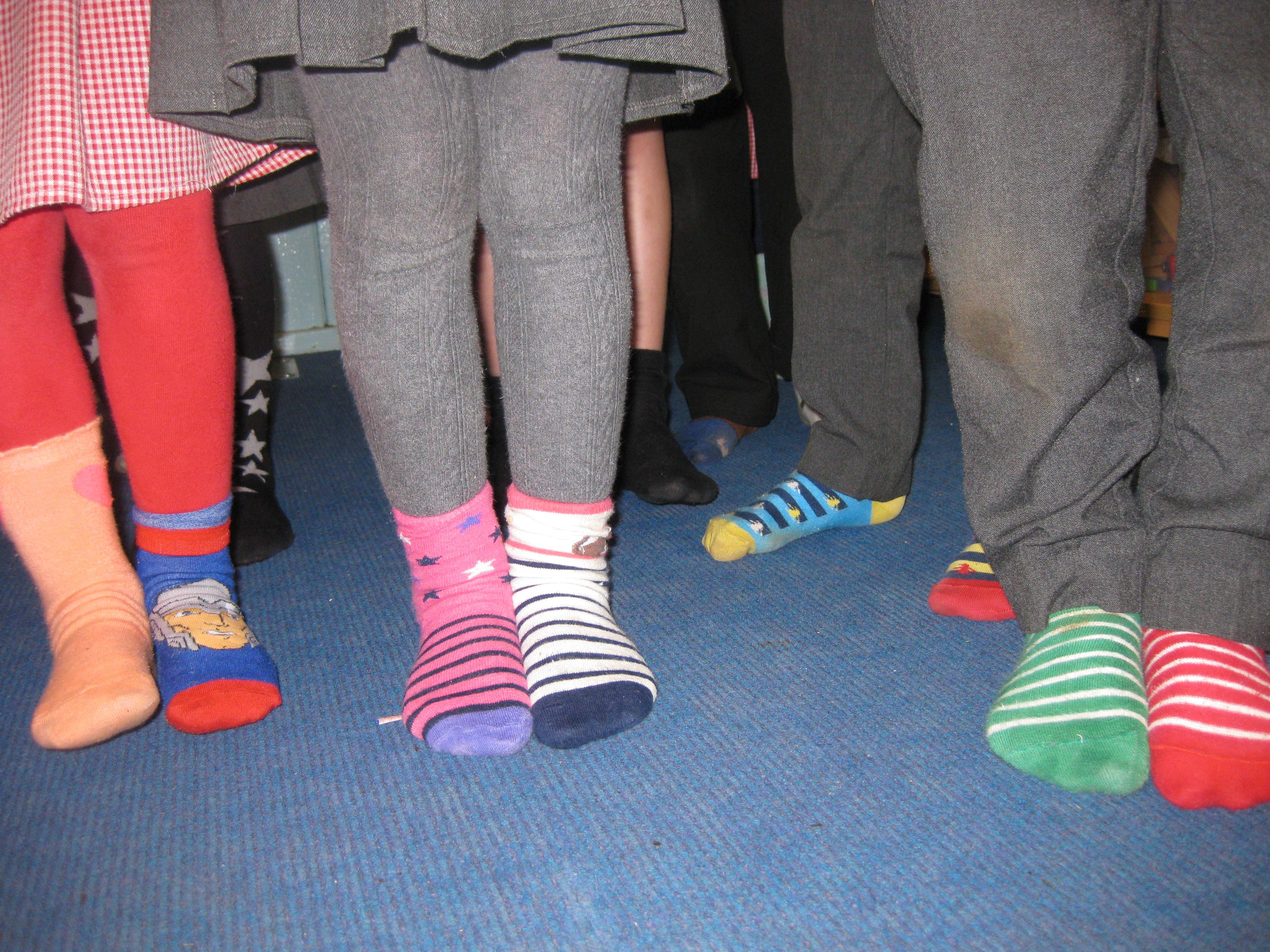 Mismatch socks HK